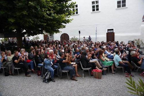 Atmo Schloss zu Spitz_052.jpg